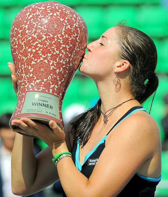 def. Klara Zakopalova, 6-1, 6-3 WTA International, Hard, $220,000 Seoul, South Korea