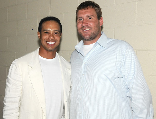 Roethlisberger and Tiger Woods pose for a photo during Tiger Jam 2009 at the Mandalay Bay in Las Vegas.