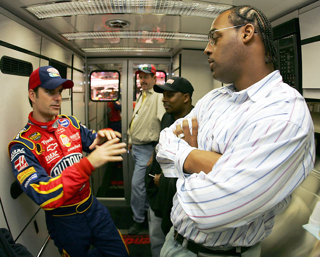 McNabb chats with NASCAR's Jeff Gordon at Dover Internation Speedway in Delaware.