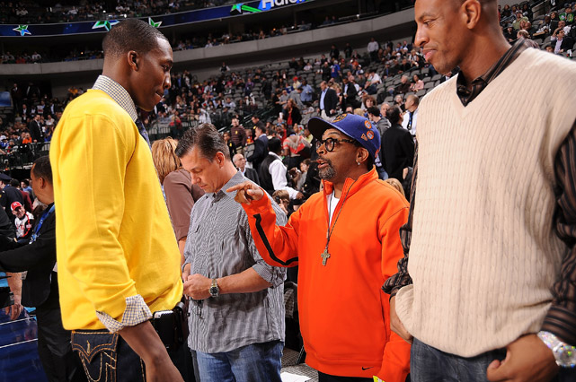 At the 2010 All-Star break in Dallas, Howard found time to mingle with movie director and devoted Knicks fan Spike Lee.
