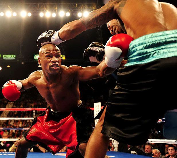 Freddie Roach has repeatedly said Mayweather may be a Hall of Fame fighter at 135 and 140 pounds, but he's nothing special at 147. That argument no longer holds water.