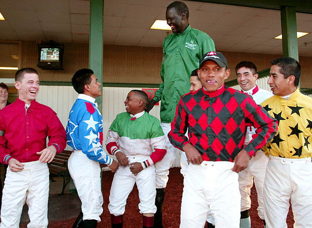At 7-6, it was easy to spot Bol among the other vertically-challenged jockeys.