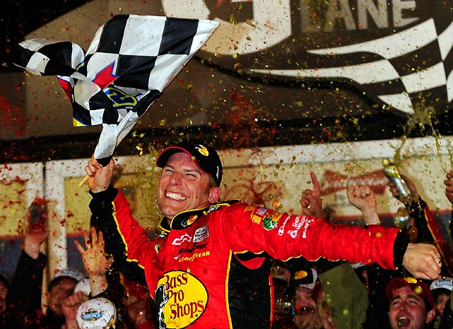McMurray withstood two pothole-induced delays, multiple wrecks and a late charge by Dale Earnhardt Jr. to win the season opener. It was his first race with Earnhardt Ganassi Racing after leaving Roush Fenway after four frustrating seasons.