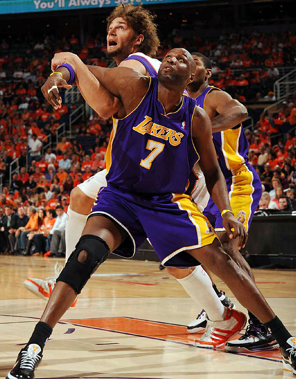 Odom scored 19 and 17 in the first two games of the series, but managed only 10 in Game 3 before fouling out in the fourth quarter.