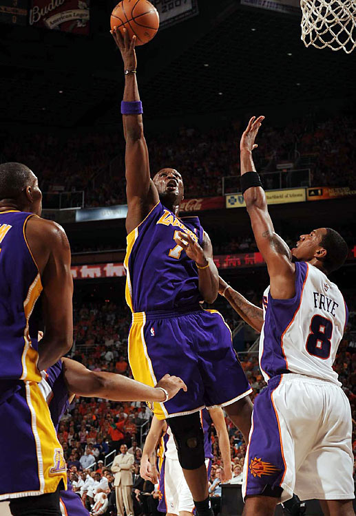 Lamar Odom came off the bench to contribute a double-double -- 15 points, 10 rebounds.