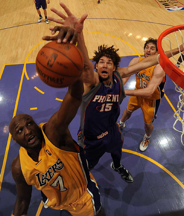 Lamar Odom (1) provided a huge boost off the bench for the Lakers, scoring 19 points and grabbing 19 boards, a playoff career-high.