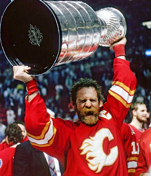 Another classic look was sported in 1989 by Calgary Flames captain Lanny McDonald, who augmented his famous push-broom mustache with full foliage on his chin and cheeks. Kind of looks like he just climbed off a tramp steamer after two months at sea, doesn't he?