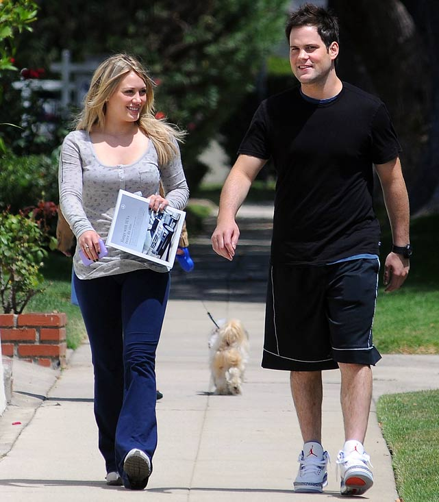 Oliers forward Mike Comrie and actress Hilary Duff seem to be taking their wedding planning in stride. When asked how her sister is preparing for her nuptials, Haylie Duff said the sisters have begun discussing preliminary plans, but have nothing solid in place. Comrie may want to get in on the action in an attempt to forget about his team's last place finish among the NHL's 30 teams.