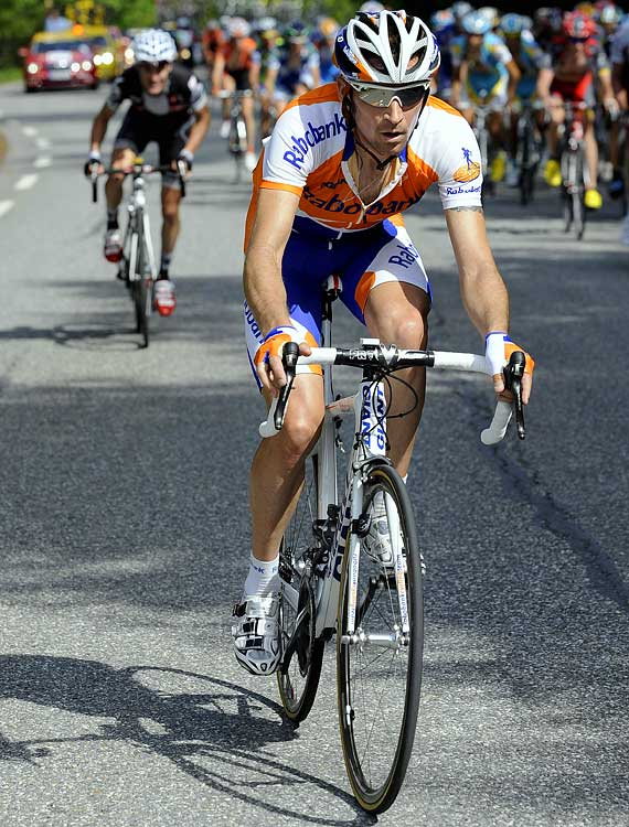 Menchov finished fifth in 2006 and third in 2008, but took a step back with a substandard 51st-place finish last year. Menchov's strong resume includes two wins at the Vuelta a Espana and one at last year's Giro d'Italia.