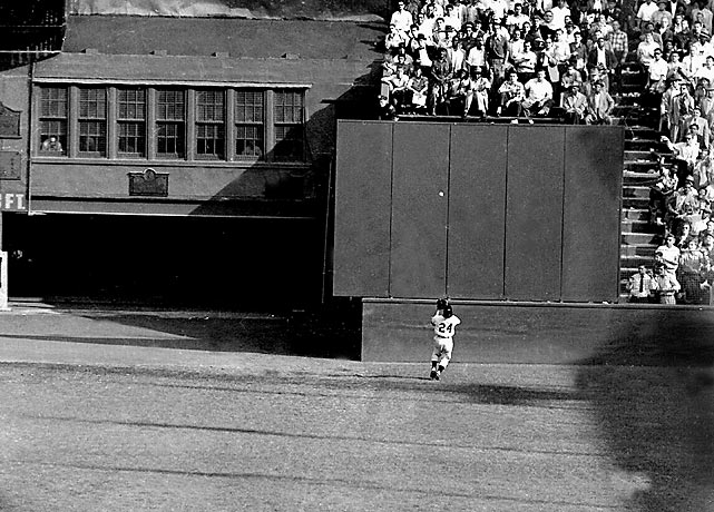 Vic Wertz of the Cleveland Indians blasted a shot to deep center field in the top of the eighth inning of Game 1 of the 1954 World Series at the Polo Grounds in New York. With the game tied and two men on base, a hit would have given the Indians the lead. But New York Giants' future Hall of Famer Willie Mays made one of the most spectacular catches in baseball history, tracking the ball down on the run and stretching out his glove for the over-the-shoulder catch. It helped the Giants go on to a Series sweep.