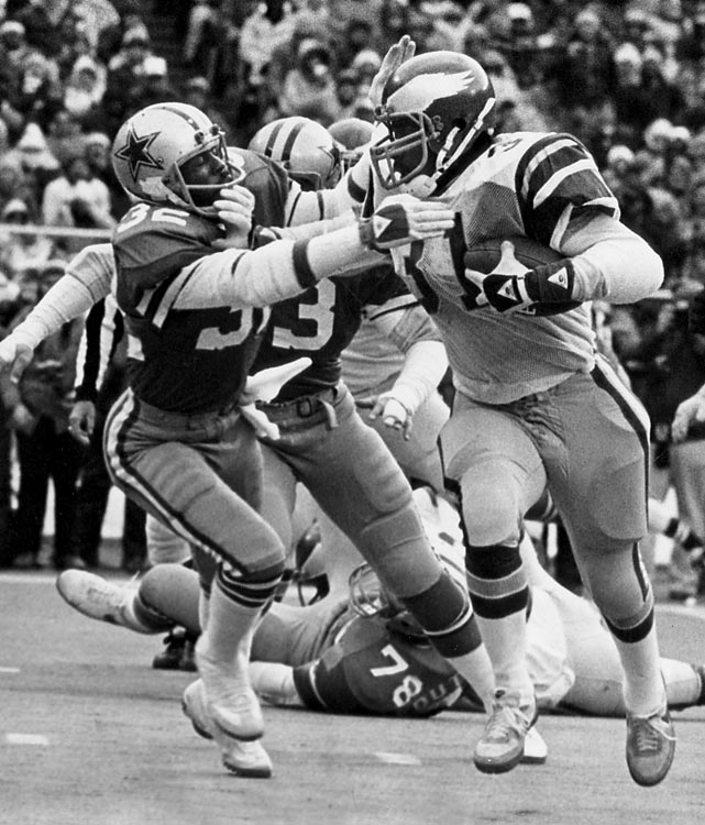 The 1980 NFC Championship game pit division rivals against each other in one of the gangliest venues in sports -- Veterans Stadium in Philadelphia. On a frigid day, Eagles quarterback Ron Jaworski had a terrible day, lobbing two interceptions and completing just 9-of-29 passes for fewer than 100 yards. Thankfully for Philly fans, running back Wilbert Montgomery was on fire. On the Eagles' first drive of the game, Montgomery broke off a 42-yard run for a touchdown, igniting the home team to a 27-10 win over the hated Dallas Cowboys. Montgomery rushed for 194 yards in the game.