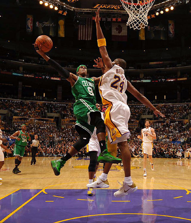 Boston stole Game 2 of the Finals in L.A. thanks to a spectacular performance from Ray Allen and Rajon Rondo. The Celtics held on for a 103-94 victory and tied the series at 1-1, despite the best efforts of Kobe Bryant and the Lakers.