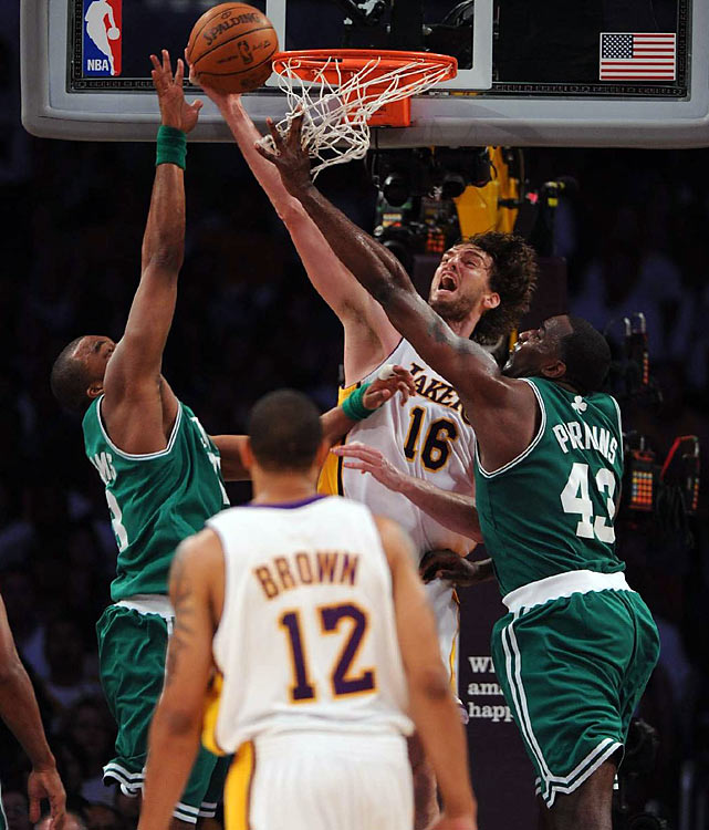 Pau Gasol followed up a strong Game 1 performance with 25 points, 8 rebounds, and 6 blocked shots in Game 2. But in crunch time, the C's stifled the Lakers in the paint.