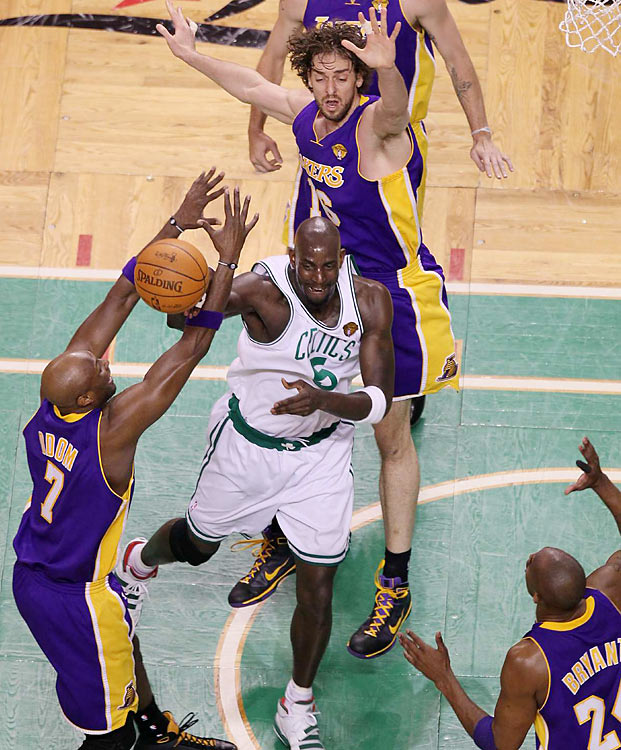 The two most recent NBA champions will do battle in a pivotal Game 4 Thursday night in Boston, with L.A. clinging to a 2-1 series lead.