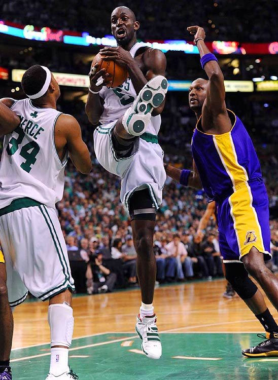 Garnett dominated down low, something even Kobe couldn't deny.