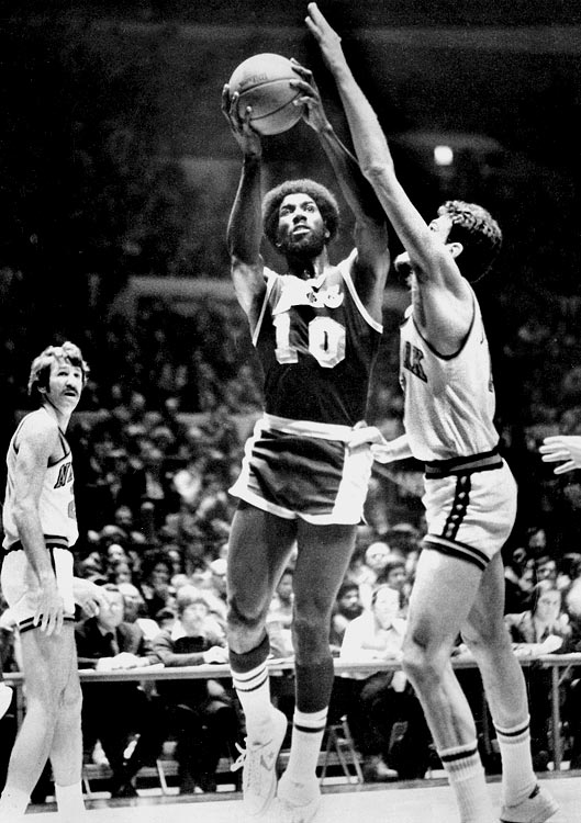 Journeyman forward Corky Calhoun started his eight-year NBA career with the Suns and moved on to the Lakers, Trail Blazers and Pacers. In 1976-77, the first of his two seasons with Portland, the Trail Blazers won the their only title in franchise history.