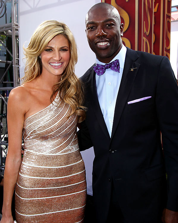 Rocking the bowtie, Owens posed with ESPN personality Erin Andrews before the 2010 ESPYs.