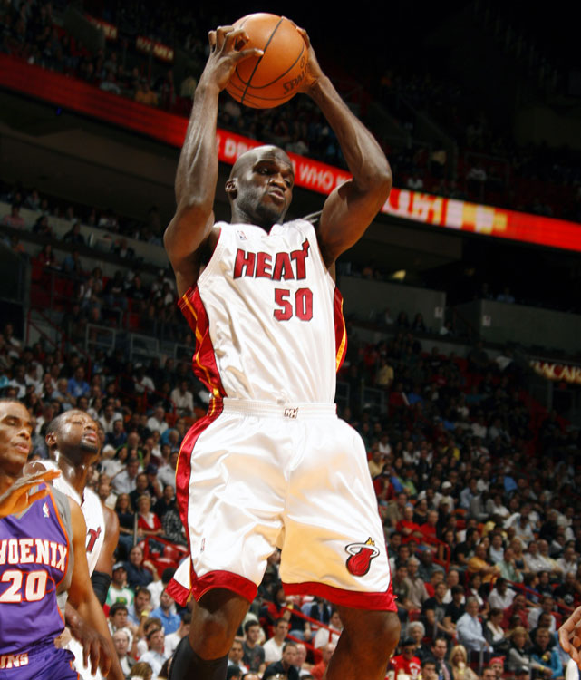 A fourth-year veteran, Joel Anthony played in 80 games (16 starts) for the Heat last season, averaging 2.7 points, 3.1 rebounds and 1.4 blocks. The Canadian 6-foot-9 center was re-signed by the Heat this offseason in hopes of providing a defensive presence in the middle.