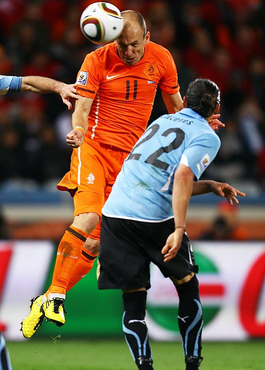 Three minutes after Wesley Sneijder's goal, the Dutch took total control on Arjen Robben's header.