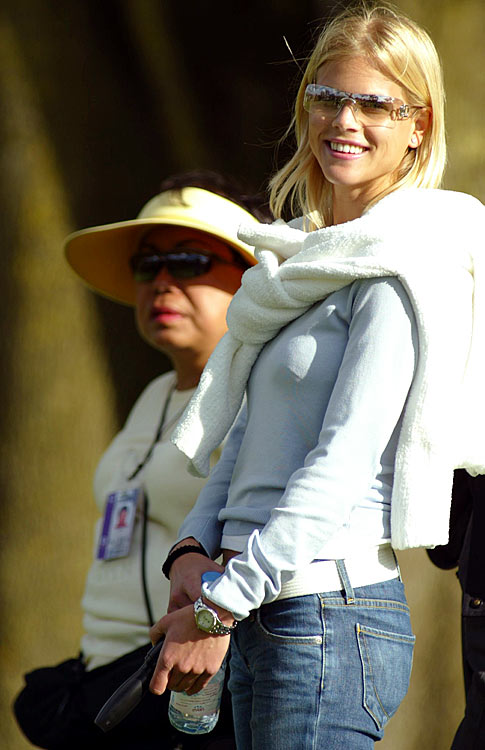 Elin watches Tiger's semifinal match against Adam Scott at the Accenture Match Play Championship in March 2003.