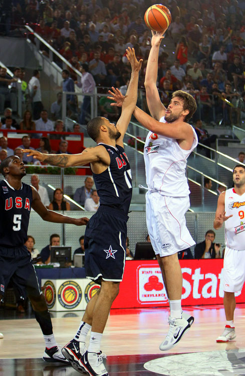 Since being added to the Spanish squad for the 2006 World Championship, Gasol has racked up a world title (2007), gold and silver European Championship medals (2009, 2007) and a silver at the 2008 Olympics in Beijing. The 7-foot-1 NBA center, who was sent to Memphis in a 2008 trade package for his older brother, Pau, quickly came into his own with the Grizz. Last season, he averaged 14.6 points and 9.3 boards and shot a team-high 58.1 percent from the floor. With Pau out of the World Championship this year, Marc will carry the reins for Spain down low.