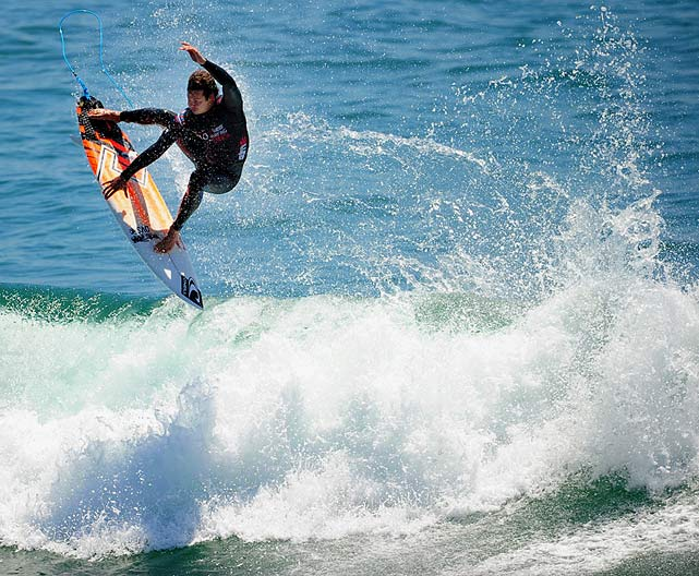 Jordy Smith finished second and now leads the world tour by almost 4,000 points.