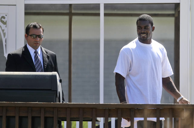 In May 2009, Vick was released from a federal prison after serving 19 months of a 23-month sentence. He would go on to serve two more months of home confinement in Virginia before returning to the NFL.