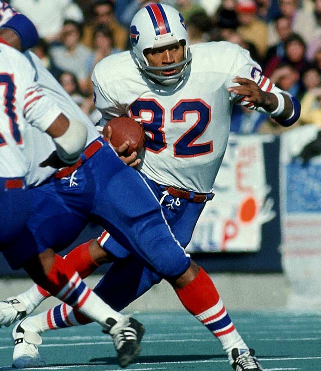The 1973 season was a record-breaker for O.J. Simpson, and Week 1 was quite the auspicious beginning.  Facing the New England Patriots, Simpson set the record for the most rushing yards in an opening weekend game with 250 yards along with two touchdowns. Thirteen games later, Simpson became the first player to rush for over 2,000 yards in a season.
