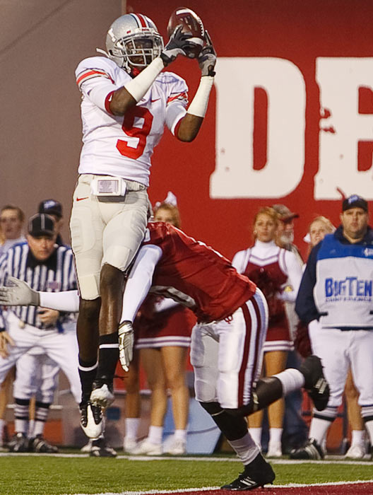 Wide receiver Duron Carter compiled 176 receiving yards and one touchdown in his first and last season as an Ohio State Buckeye in 2009. Carter, the son of former Vikings wideout Cris, enrolled in Coffeyville Community College in Kansas to improve his academic standing before the team's 2010 campaign.