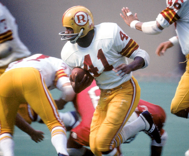 Washington Redskins defensive back Mike Bass scans the field after intercepting the St. Louis Cardinals in Week 2. Bass would add three more picks and a fumble recovery over the remainder of Washington's 6-8 season.