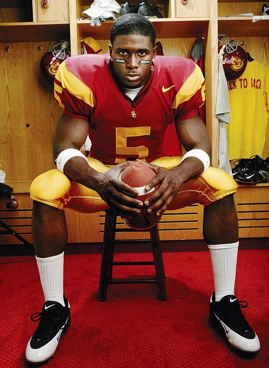 After landing at USC, Bush quickly made an impact, running for 270 all-purpose yards in a game against Washington. The Trojans offense, led by quarterback Matt Leinart, quickly became one of the nation's best.
