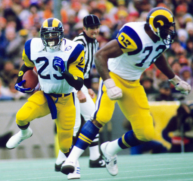 Two years after rushing for an NFL-record 2,105 yards in a single season with the Rams, Dickerson exploded for 193 yards against the Cardinals in the first game of the 1986 season. Dickerson rushed a career-high 404 times in '86 for 1,821 yards and 11 touchdowns.