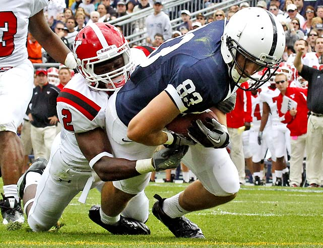 Penn State started slow, but soon pulled away from Youngstown State thanks largely to receiver Brett Beckett (83), who caught eight passes for 98 yards and two touchdowns and seemed to have a strong on-field connection with true freshman starting quarterback, Robert Bolden.