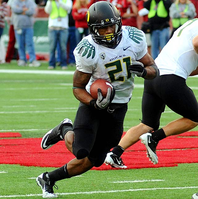 Last Week : 25 rushes for 136 yards and two TDs; two receptions for 87 yards and one TD in 43-23 win over Washington State   Season : 114 rushes for 848 yards and nine TDs; three receptions for 96 yards and one TD  James admitted he was rattled after his friend and backfield mate  Kenjon Barner  was taken away in an ambulance after a scary hit. That may have been weighing on James' mind as he fumbled twice, but he still went over 100 yards for the fourth time in five games and scored on an 82-yard reception. He overtook Robinson for the national lead in rushing yards per game (169.6), and stands to benefit should Shoelace's candidacy face any further setbacks.   Up Next : Thursday, Oct. 21 vs. UCLA
