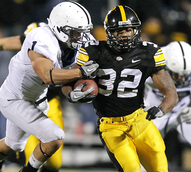 The Hawkeyes kick-started their quest for the Big Ten title with a rock-solid defeat of JoePa and the Nittany Lions. On the day, RB Adam Robinson accounted for 101 of Iowa's 349 yards, while helping the ranked Hawkeyes win the crucial time-of-possession battle.