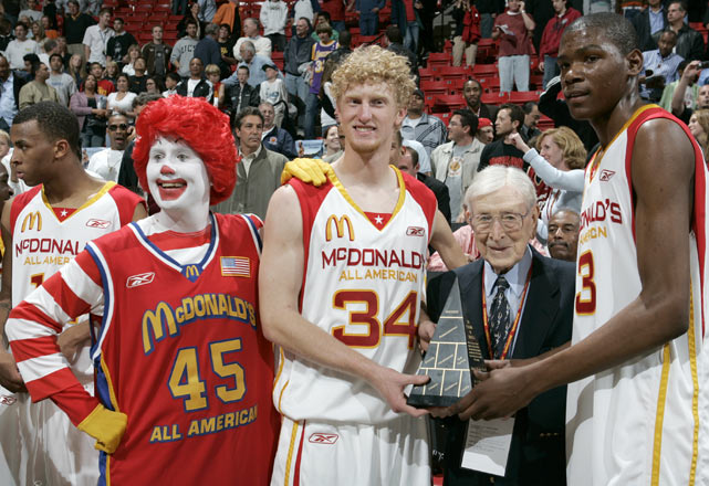 Durant shined during the 2006 McDonald's All-American Game, tallying 25 points while splitting MVP honors with Chase Budinger.  Here, he takes his triumphant photo with fellow stars John Wooden, Budinger and, of course, Ronald McDonald.