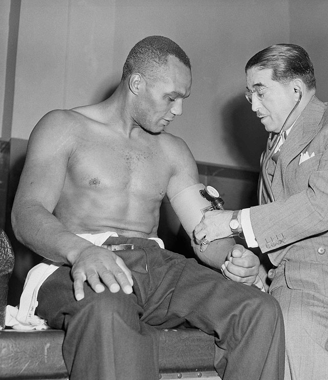 After four failed bids for the world title, the 37-year-old Walcott knocked out Ezzard Charles in seven rounds in Pittsburgh to win the championship. He was the oldest man to win the heavyweight title in history until George Foreman broke his mark 43 years later.
