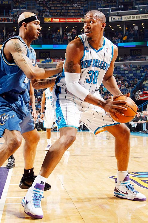 2009-10 Key Stats: 19 ppg | 7.5 rpg | 3 apg | 86.6% FT   David West's stats benefitted from Chris Paul's absence toward the end of last season, as the former Xavier Musketeer became the de facto scoring leader in New Orleans.  West will be happy to have his pick-and-roll partner back, however, and should be a lock for around 20 points, eight rebounds and great percentages.  He doesn't contribute anything on the defensive end, though, making him a bit of a reach in the third round.