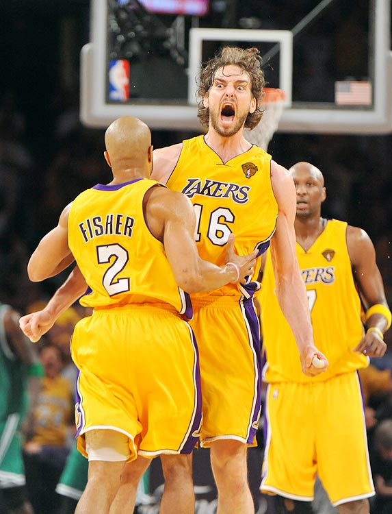 2009-10 Key Stats: 18.3 ppg   11.3 rpg   1.7 bpg   3.4 apg   Is there a better passing big man in the NBA?  A modern day Vlade Divac, Pau Gasol averaged 3.4 assists last year, which are icing on the proverbial cake given everything else the Lakers' big man does on the court.  Gasol is by trade a dominant rebounder and shot-blocker, but unlike his fellow paint enforcers, Gasol won't kill you in free-throw percentage.  In the beginning of the second round he's a great complement to any first-round pick.