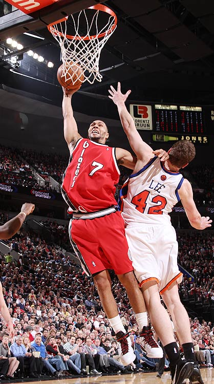 2009-10 Key Stats: 21.5 ppg | 4.7 apg | 4.4 rpg | 1.1 3PM   Injuries derailed Roy's campaign last year for first-round status.  Plagued by knee and hamstring injuries, the Trail Blazers shooting guard played only 65 games. The injuries also sapped some of Roy's effectiveness, deflating his points and steals per game.  After rehabbing hard over the summer, Roy claims he's back to 100 percent.  If so, Roy should be a lock to put up 22 ppg, 5 apg, 4.5 apg along with a minuscule 2 TOs.