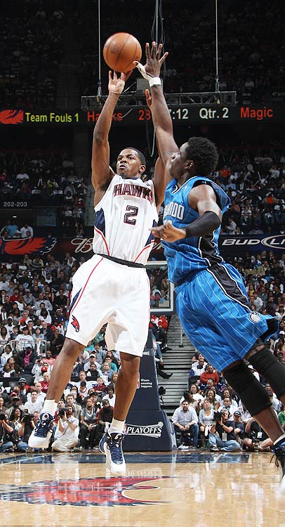 2009-10 Key Stats: 21.3 ppg | 4.9 apg | 1.7 3PM | 1.1 spg   The undisputed No. 1 scoring option in Atlanta, Joe Johnson provides everything you want from a shooting guard. He's a gunner from long range, he nets you at least a steal a game and he tallies around 5 rebounds and 5 assists a game. Though he won't put up the points that some of the top options might, Johnson can likely be nabbed 10 to 15 spots later.