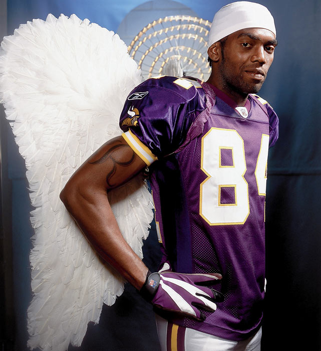 Despite a bad reputation that caused him to plummet in the draft, Moss was an angel for Viking fans. He made the Pro Bowl in each of his first three seasons as he grabbed 43 touchdowns, gained over 4,100 yards and led Minnesota to the 2000 NFC Championship Game.