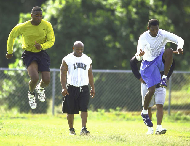 After getting drafted by Minnesota, Moss called veteran receiver Cris Carter and flew to Florida to work out with him before training camp. The extra sessions paid off as Moss impressed Green and the Vikings coaching staff, who named him an opening day starter.