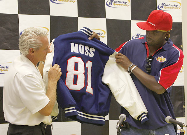 In addition to football, Moss is a NASCAR enthusiast. His dream came true in 2008 with the formation of Randy Moss Motorsports, an auto racing team  in the Craftsman Truck Series.