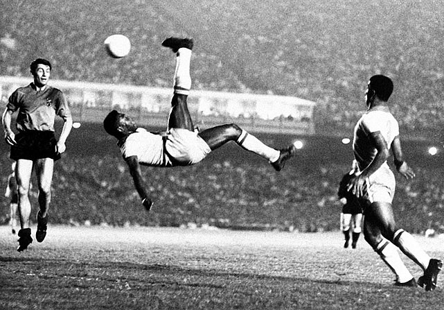 Pele demonstrates the proper bicycle kick technique during a contest in 1968.