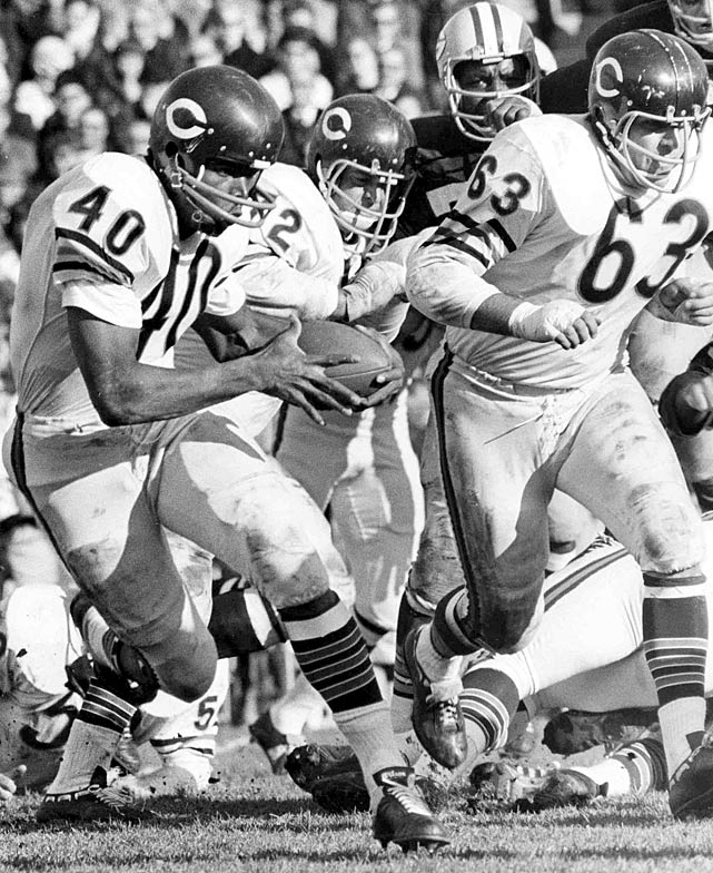 Chicago running back Gale Sayers bursts into the open field.