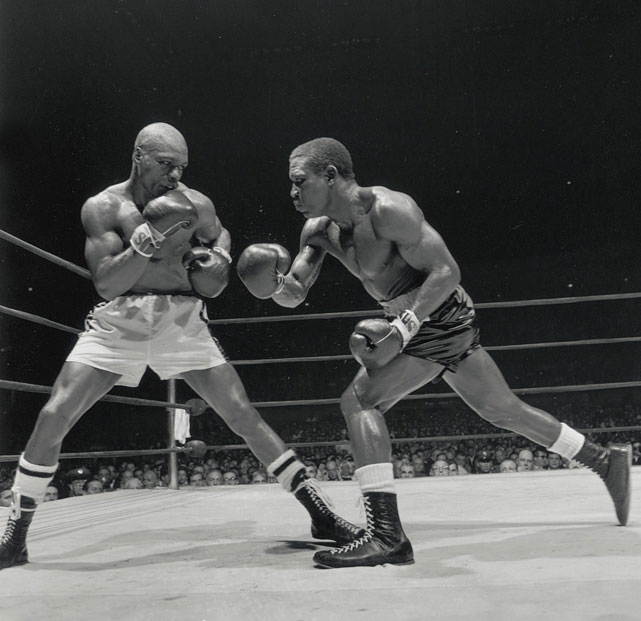 One of the all-time great fighters to hail from Africa, the Nigerian-born Tiger ( right ) regained the middleweight title by avenging a defeat to Joey Giardello. He'd lose it for good to Emile Griffith on a unanimous decision.