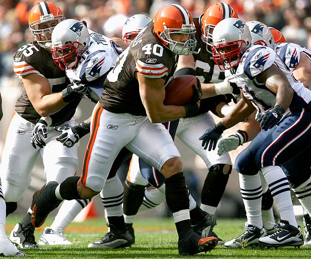 Widely overlooked at the onset of the season, Peyton Hillis made quite a name for himself in Cleveland.  The power-running back rumbled for 460 yards through the Browns' first seven games, and had his signature performance in Week 9, rushing for 184 yards and two touchdowns in a 34-14 upset of the Patriots.  Hillis' success seems to cement Cleveland as the victor in the Brady Quinn-for-Hillis trade that happened in May.