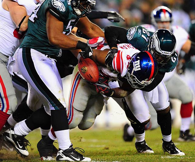 12 rushes for 29 yards (one fumble); two receptions for -5 yards in 27-17 loss to the Eagles.