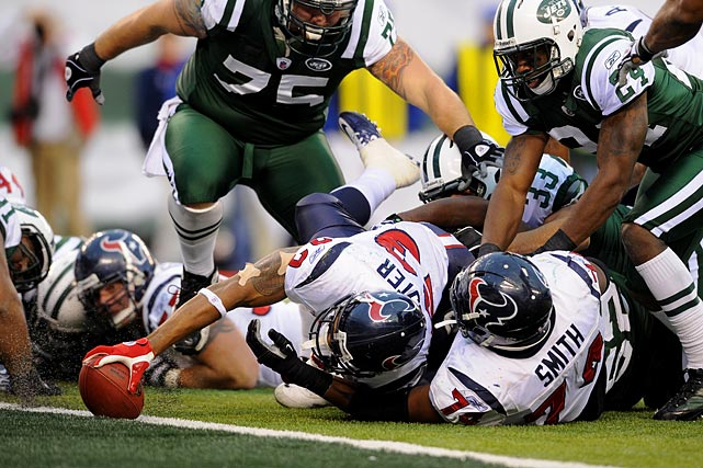 22 rushes for 84 yards and two TDs; six receptions for 59 yards in 30-27 loss to the Jets.